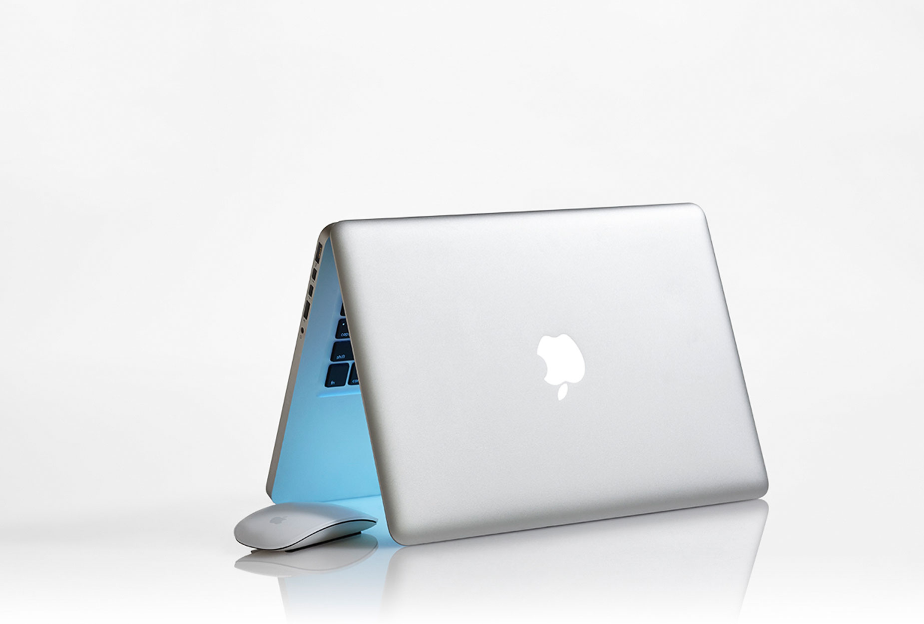 Apple Laptop | Product Still Life Photographer, Marshall Gordon